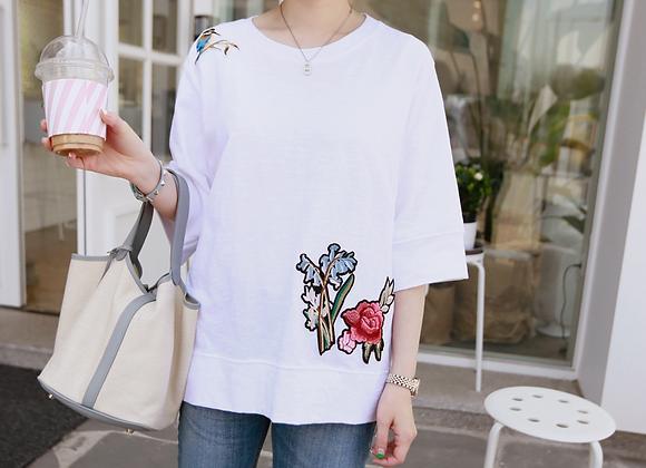 Choa Flower Embroidered T-Shirt