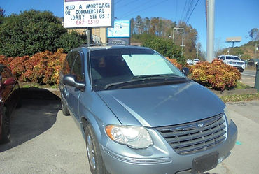 2005 Town and Country.jpg
