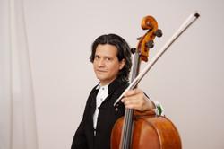 Claudio Bohorquez - 1 - Peter Adamik_