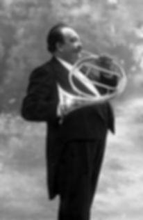 Henri Chaussier (1854-1914), Corniste virtuose, photographié par Nadar.