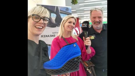 mockery mia_High Heel Sneaker_LT1 Oberösterreichisches Privatfernsehen_Passage Lady Shopping