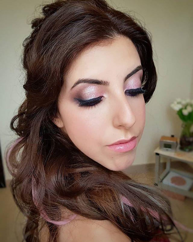 Modella _estergianno__MUAH Irina Farfallina 💄💄💄💄💄💄_Se vuoi ricevere un make-up ed un' acconcia