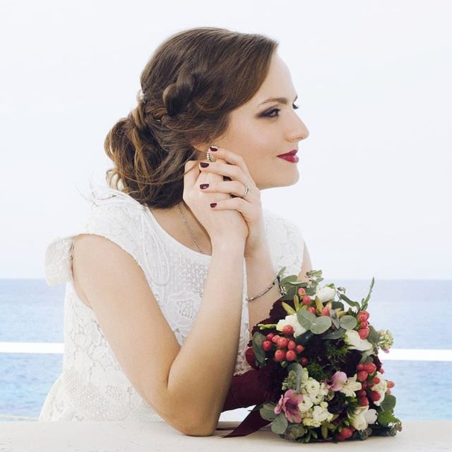 So beautiful bride 👰 _yulik0 _MUAH Irina Farfallina ._