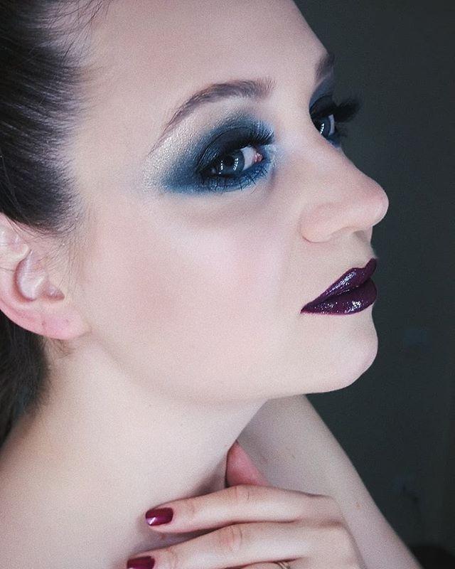 Buonasera💄_#lipstick #truccopalermo #lips #cosmetics #makeupjunkie #eyes #eyeshadow  #trucco #palet