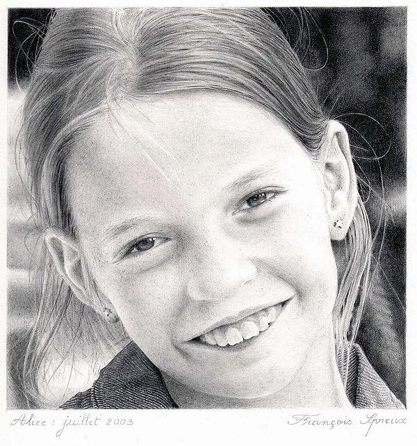 Alice (ma fille alors âgée de 9 ans): mine de plomb sur papier (15 cm x 15 cm)