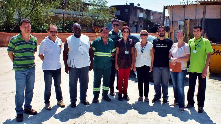 Visita técnica com representantes da Secretaria do Meio Ambiente de Santos, Subprefeitura da Zona Noroeste, Defesa Civil e COHAB Santista.