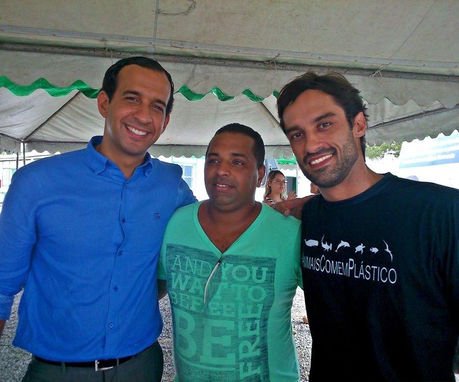Encontro com o prefeito de Santos, Paulo Alexandre Barbosa, moradores e lideres comunitários durante o lançamento do Programa Santos Novos Tempos no Dique da Vila Gilda.