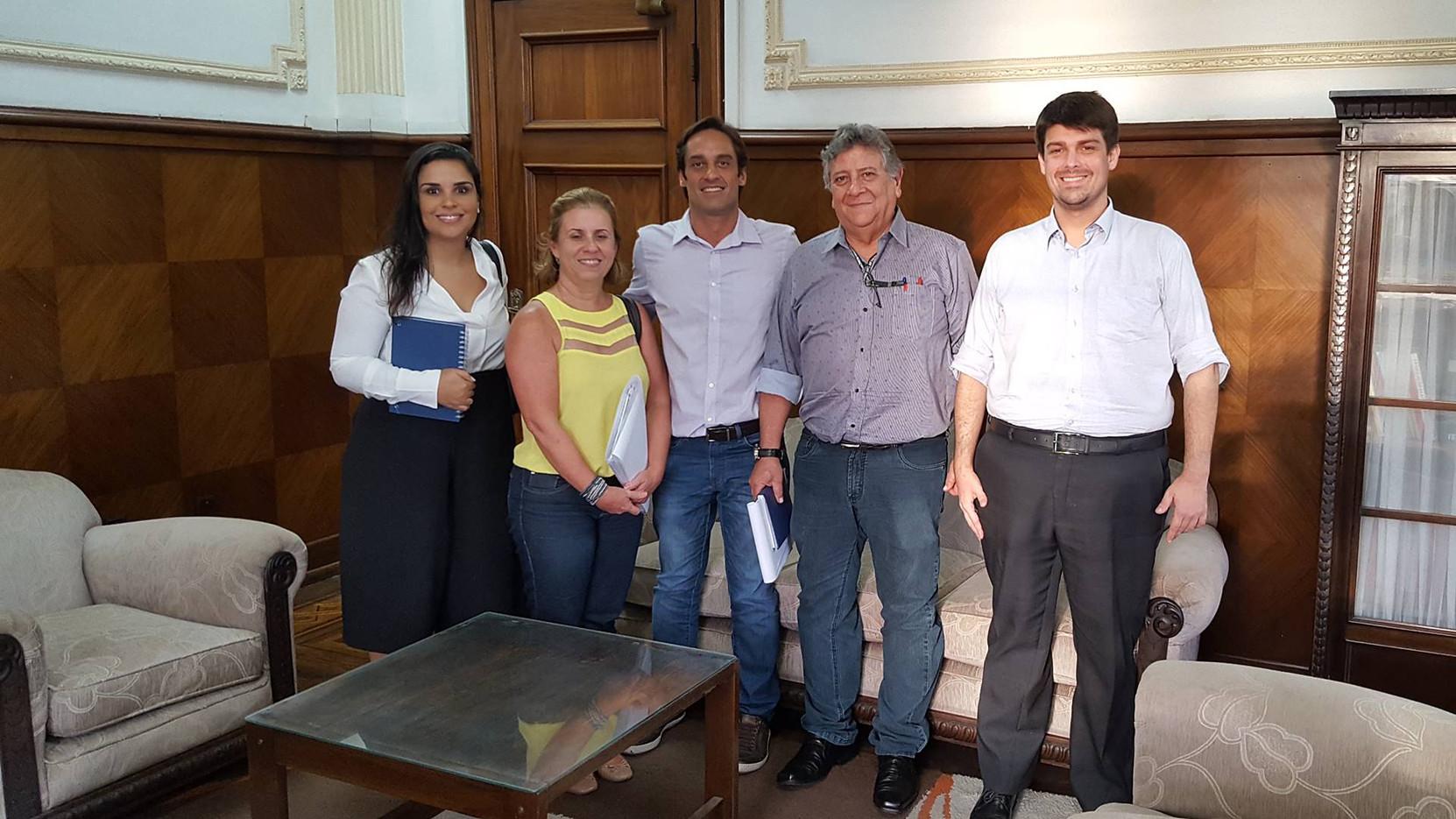Reunião com o Secretário Chefe de Gabinete, Sr. Silvio Alarcon e técnicos da COHAB Santista.