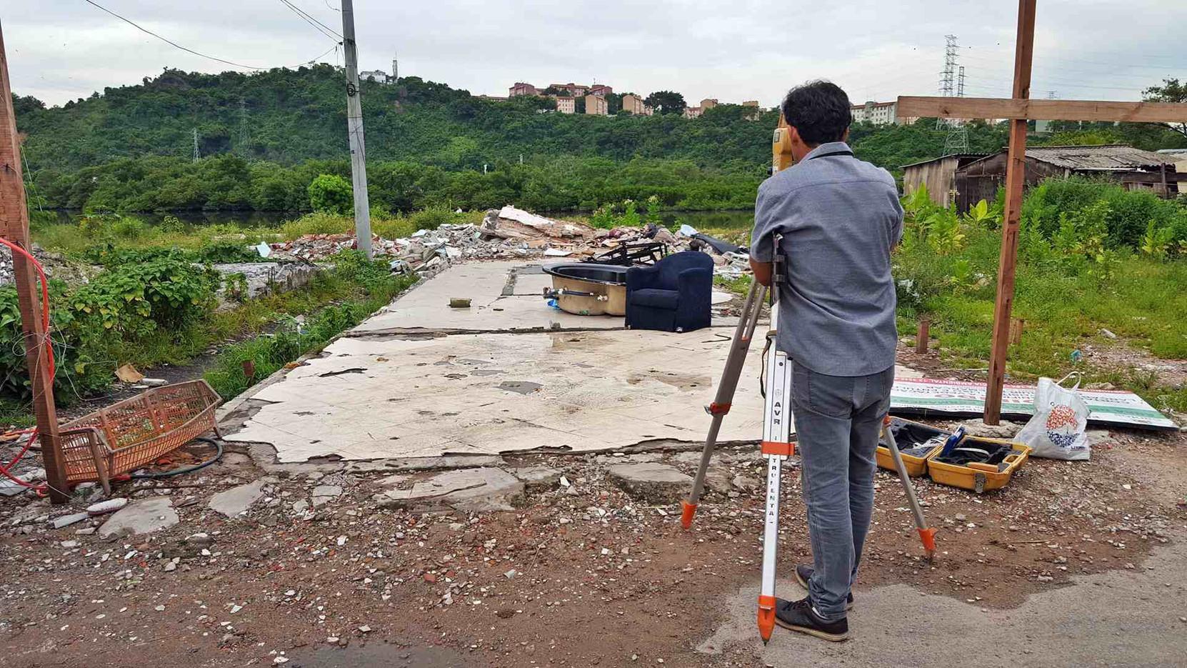 Visita técnica com topógrafo da Prefeitura de Santos para inserção da área na planta da COHAB Santista e aditamento na cessão de uso de área pela SPU.
