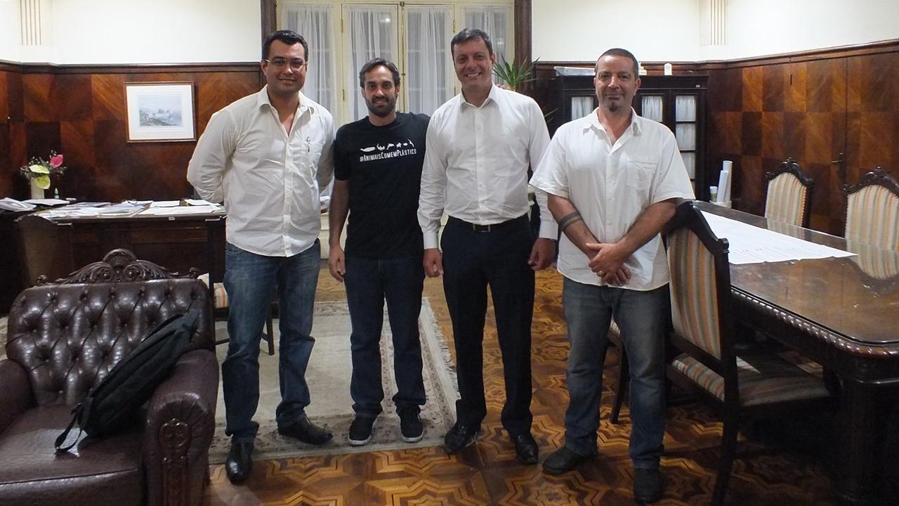 Reunião com o Secretário Chefe de Gabinete da Prefeitura de Santos, Sr. Rogério Santos.