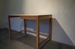 #022 work desk