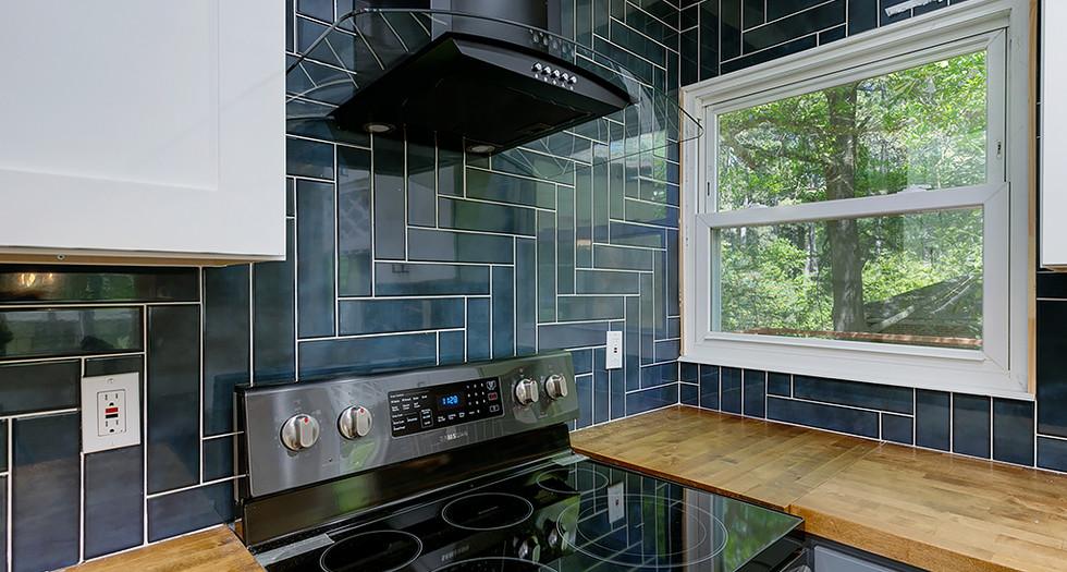 17_1577 Pinehurst Dr_Kitchen_.jpg