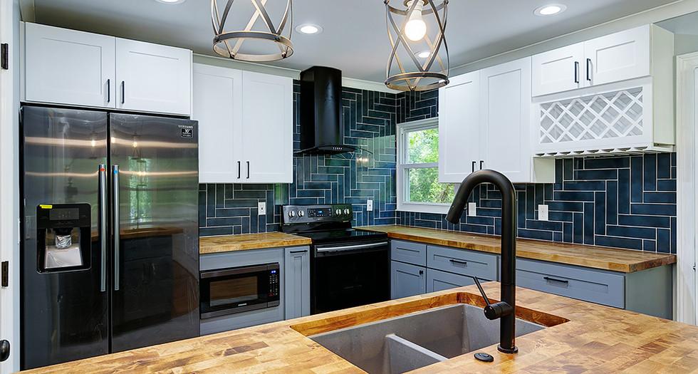 15_1577 Pinehurst Dr_Kitchen_.jpg