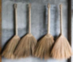 Banaue_Philippines_Handmade-brooms-01.jp