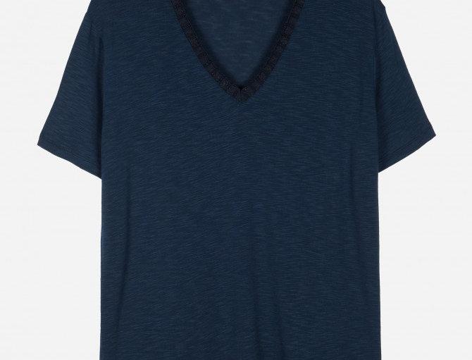 T-shirt cuello pico canalé