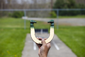 Pitching-Horseshoes-300x200