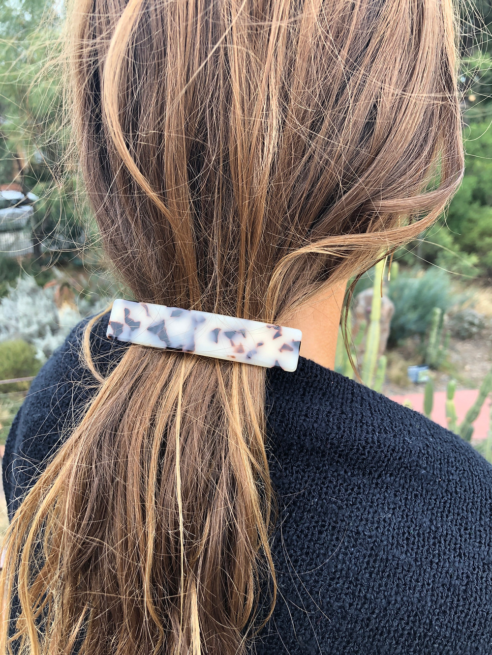 Light turtle pattern hair clip