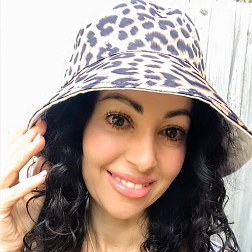Bucket Hat - reversible- Leopard/White