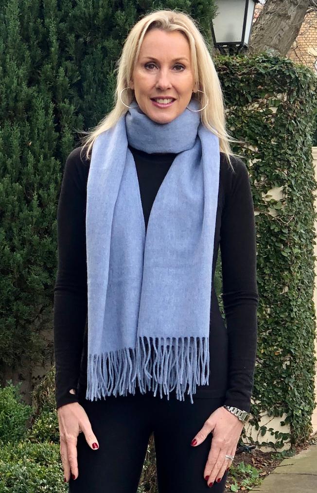 100 % wool scarf - soft blue