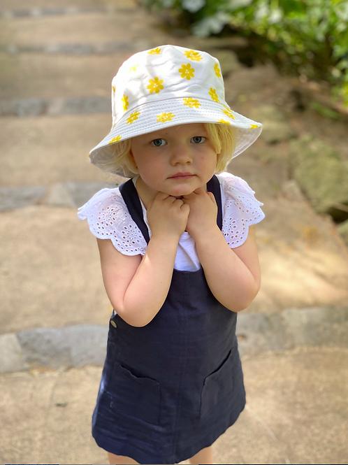 Bucket Hat - reversible-  White daisy/White