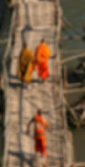 Laos - Luang Prabang - Buddhist monks on