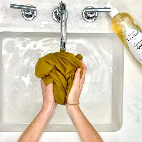 Comment laver mes tenues en soie, sans les abîmer.