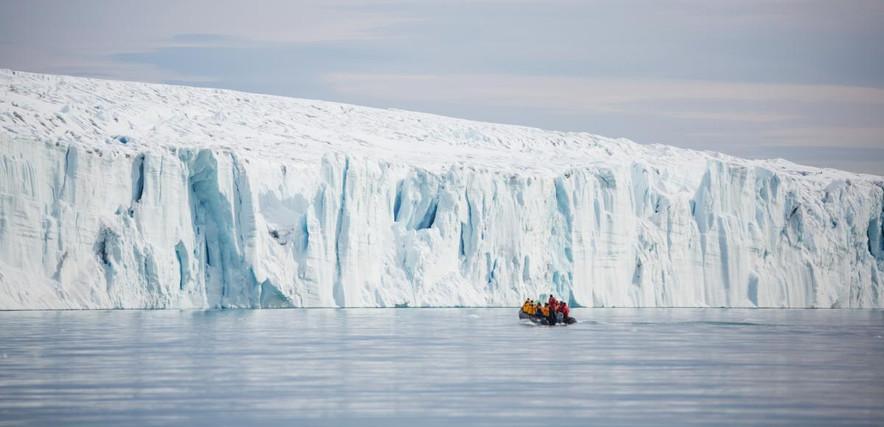 brasvellbreen-zodiac-cruise-svalbard-aca