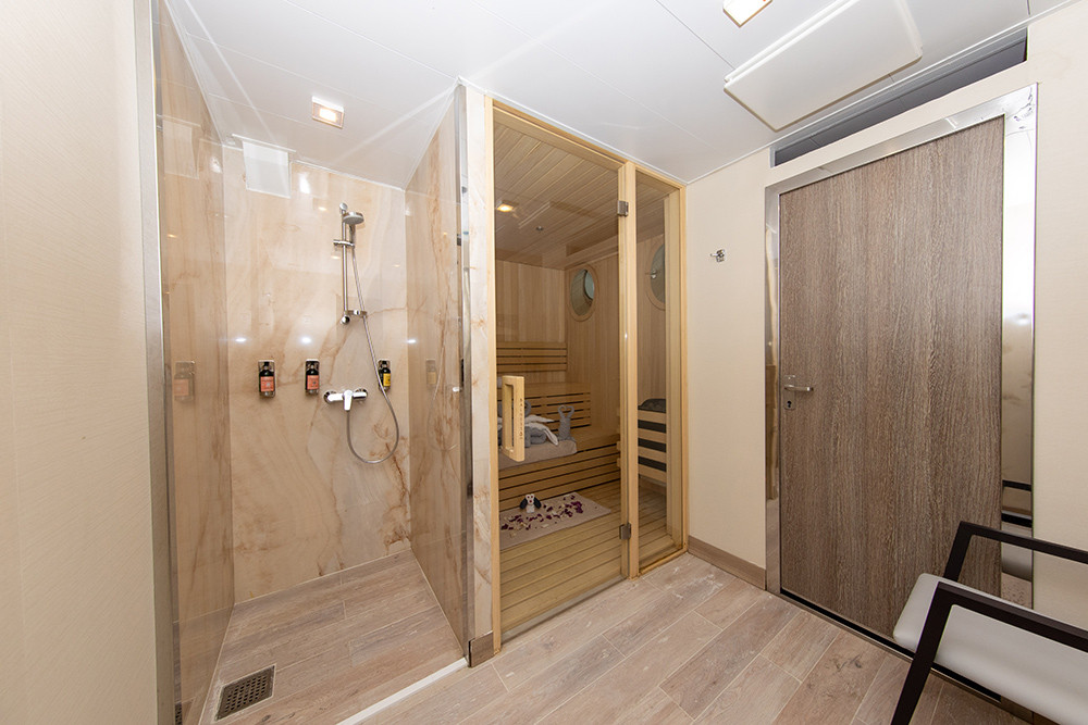 Quark-Expeditions_World-Explorer_Sauna-(