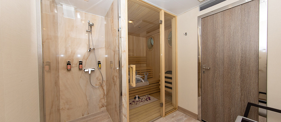 Quark-Expeditions_World-Explorer_Sauna-(