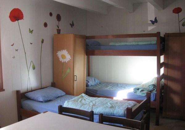 chalet-dieulefit-dortoir-1-int.jpg