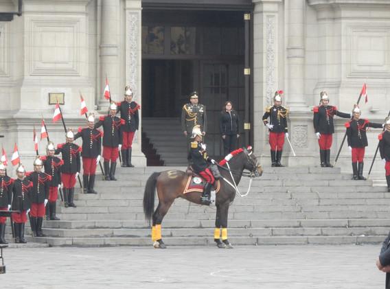 Relève de la garde au palais présidentiel