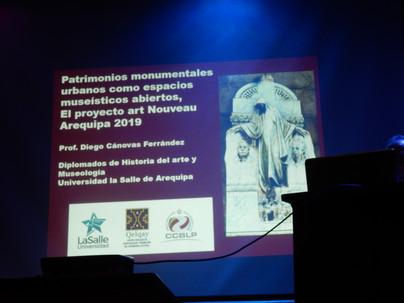 Organizan y Patrocinan, la Municipalidad de Arequipa, la Universidad LaSalle, el Instituto Qelqay y la Cámara de Comercio y Cultura de Bélgica y Luxemburgo en el Perú.