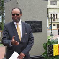Discours de M. Guy O. Vanackeren Président de la Chambre de Belgique et du Luxembourg au Pérou, donateur de la nouvelle plaque de la plazuela Bélgica