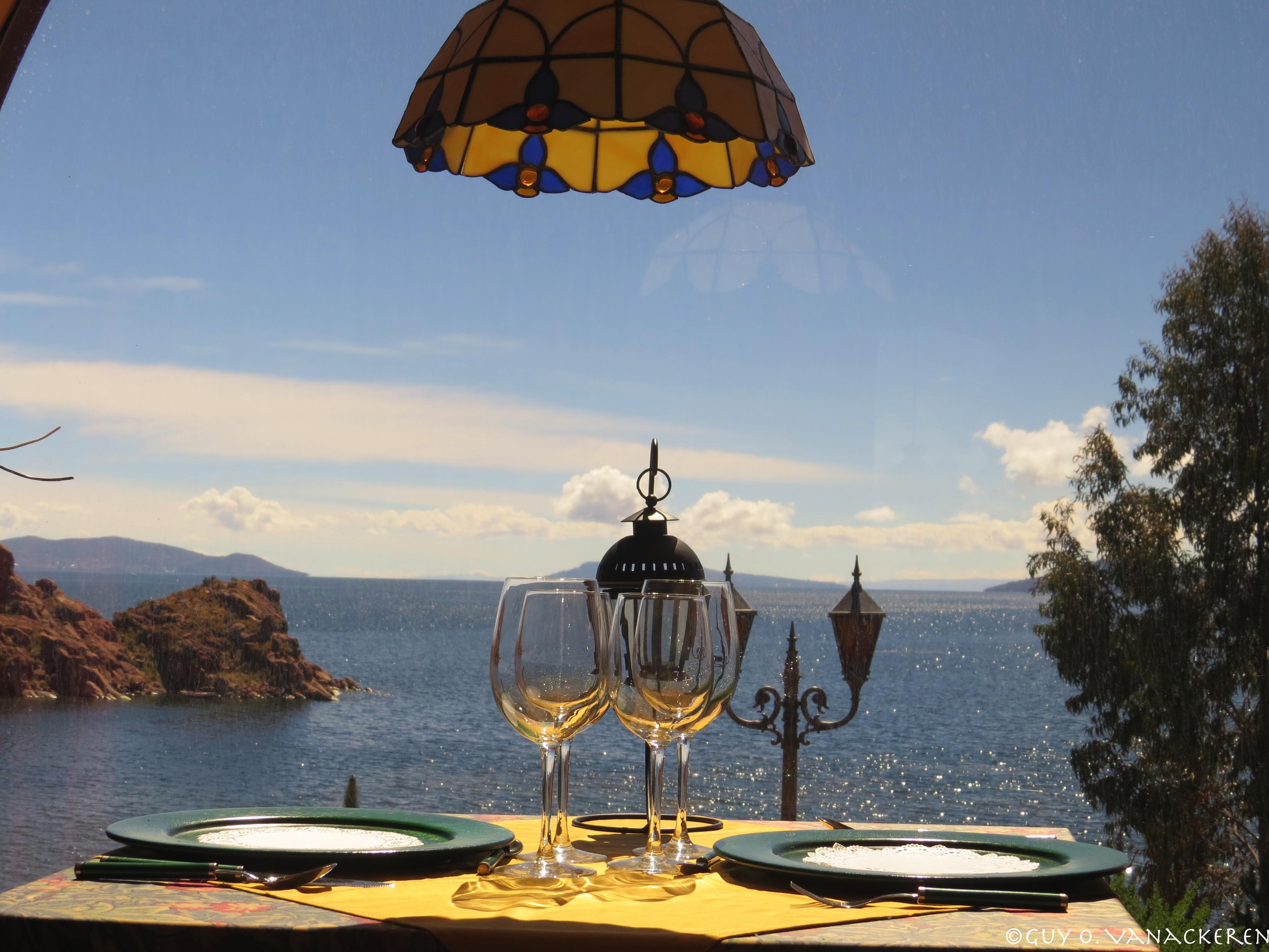 Tussen de Titicaca meer