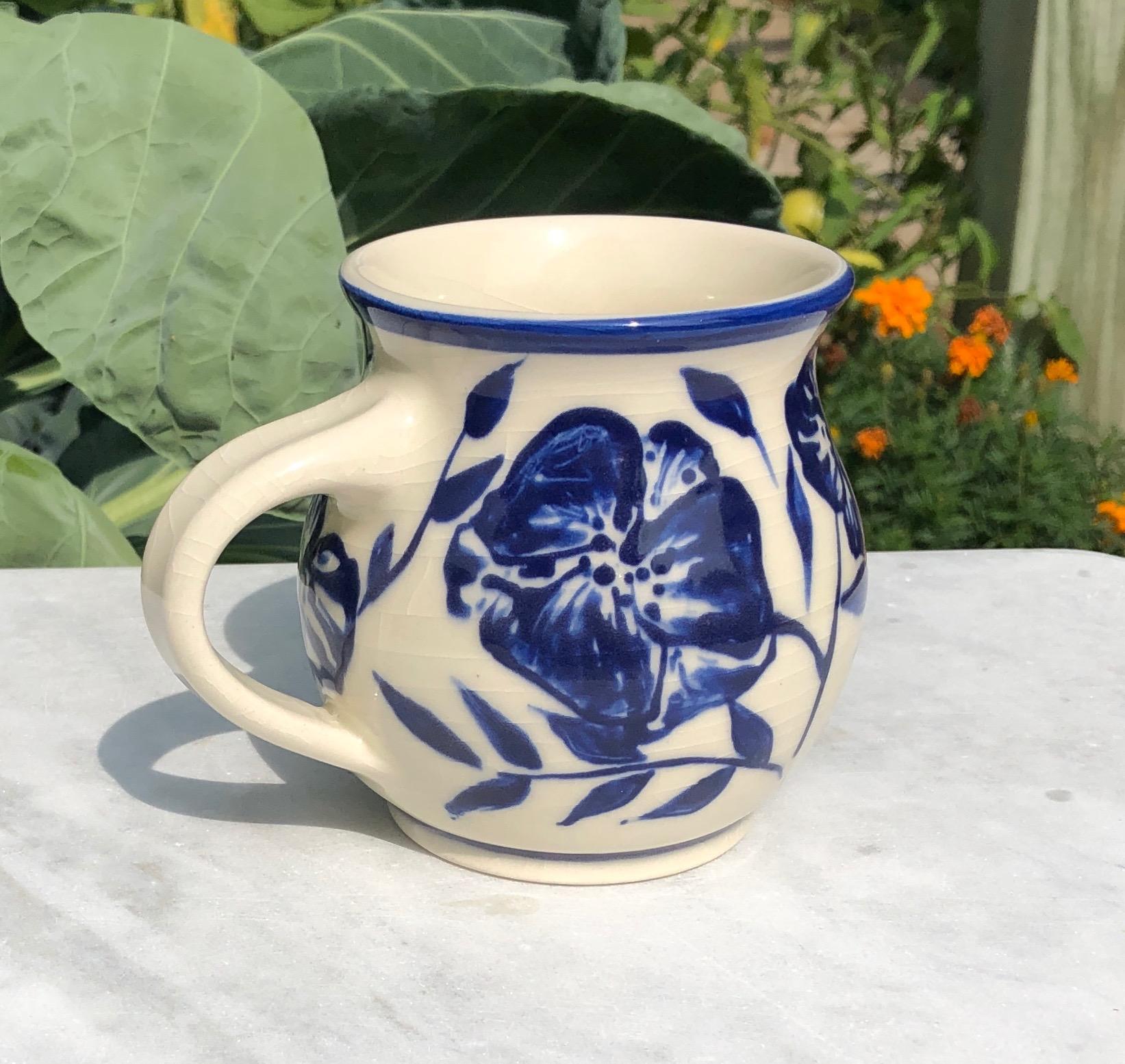 mug blue:white flowers 3a