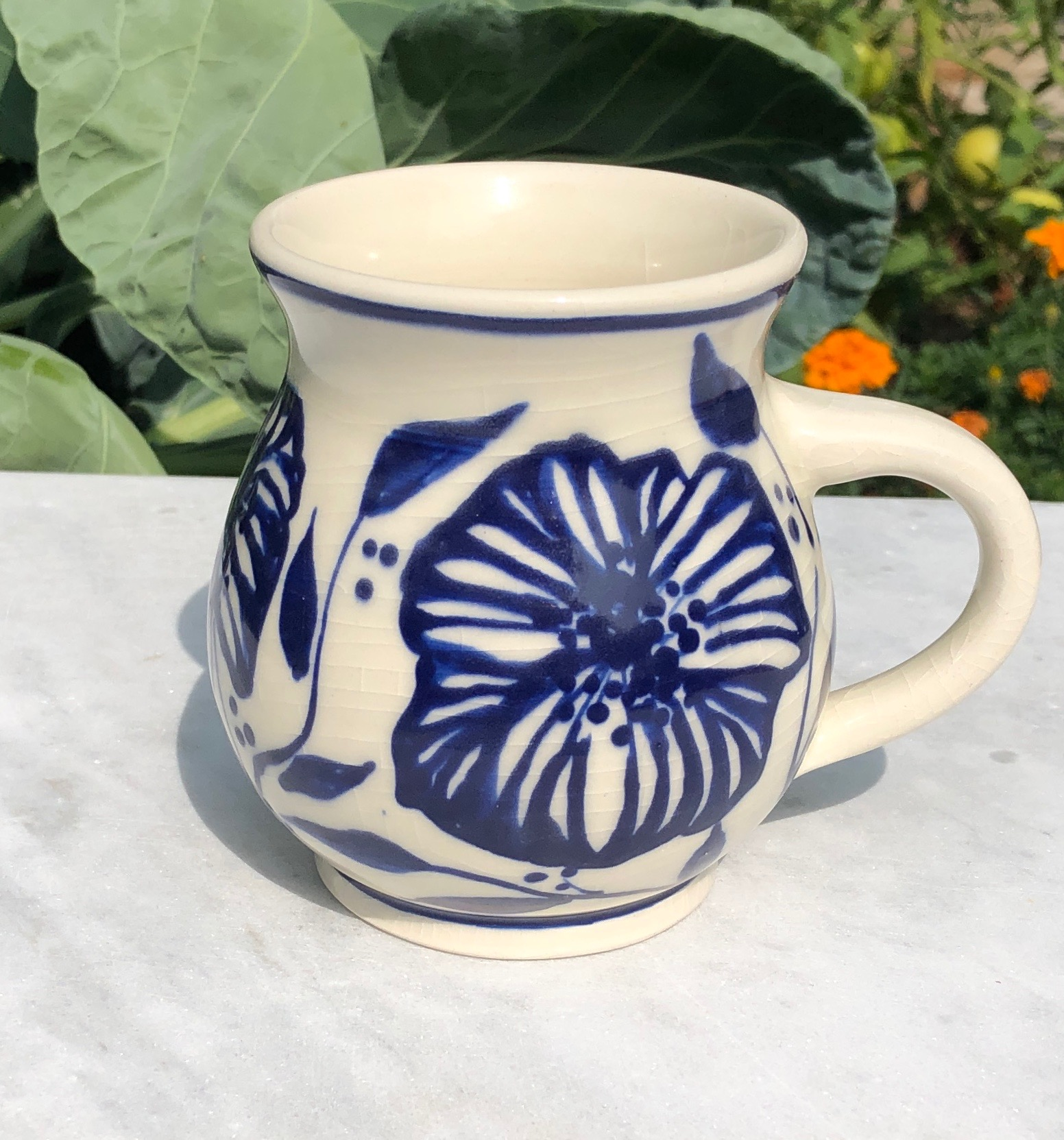 mug blue:white flowers 1a