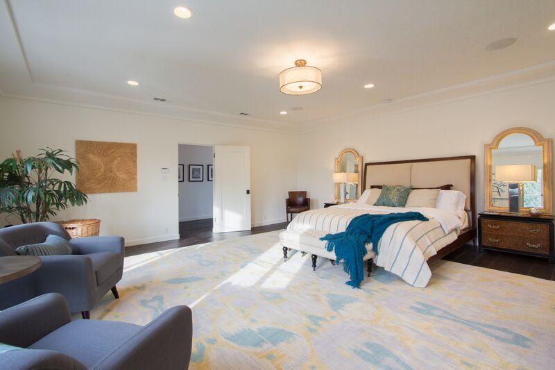 Van Ness Ave.aster bedroom