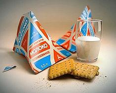 Легендарные треугольные молочные пакеты.