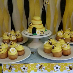 Beehive Cake and Cupcakes