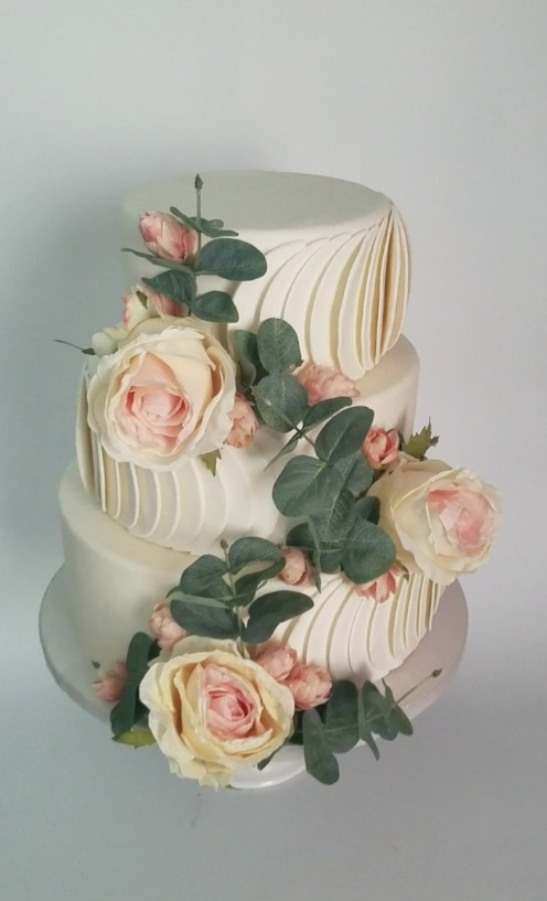 Fondant Semi Circle Wedding Cake