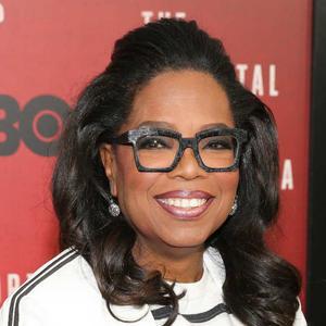 How Oprah keeps her hair so beautiful