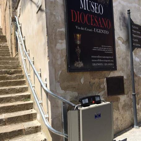 Servoscale al Museo Diocesano.jpg