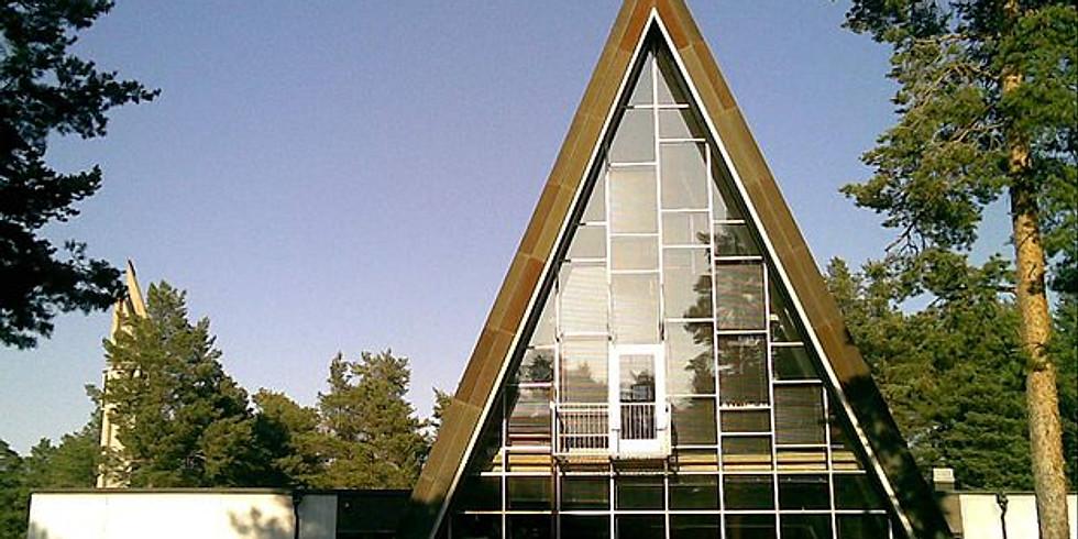 Hailuodon kirkko avoinna matkailijoille tutustumista varten