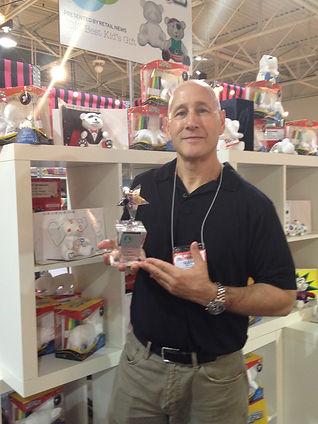Glenn Rudin receiving and award for the blankZ