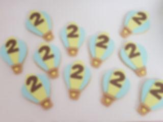 4 | גילת - הלוחשת למתוקים  | גילת חסין | עוגיות מעוצבות | קינוחים אישיים | נשיקות | שוקולדים | עוגיות | עוגת זילוף | קצפת לזילוף | מתכון לקצפת | עוגות זילוף ליום הולדת | עוגות זילוף מעוצבות | סדנת זילוף | זילוף