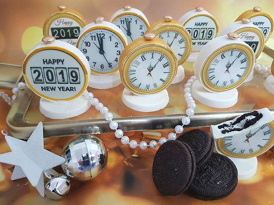 סוכריות ועוגיות 2 | סוכריות ועוגיות מעוצבות | נשיקות מרנג | בר מתוקים |  עוגיות מעוצבות | שוקולד על מקל | נשיקות | עוגיות אוראו מעוצבות | מטבעות שוקולד ממותגות | מתנות לאורחים בחתונה