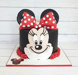 32 | גילת - הלוחשת למתוקים  | גילת חסין | עוגות בצק סוכר | עוגות מעוצבות | בצק סוכר | עוגות יום הולדת | עוגות יום הולדת מעוצבות | עוגות מבצק סוכר | עוגות מעוצבות ליום הולדת | עוגות מעוצבות מבצק סוכר | עוגת יום הולדת קרין גורן