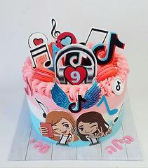 42 | גילת - הלוחשת למתוקים  | גילת חסין | עוגות בצק סוכר | עוגות מעוצבות | בצק סוכר | עוגות יום הולדת | עוגות יום הולדת מעוצבות | עוגות מבצק סוכר | עוגות מעוצבות ליום הולדת | עוגות מעוצבות מבצק סוכר | עוגת יום הולדת קרין גורן