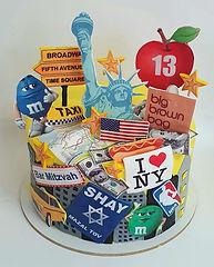40 | גילת - הלוחשת למתוקים  | גילת חסין | עוגות בצק סוכר | עוגות מעוצבות | בצק סוכר | עוגות יום הולדת | עוגות יום הולדת מעוצבות | עוגות מבצק סוכר | עוגות מעוצבות ליום הולדת | עוגות מעוצבות מבצק סוכר | עוגת יום הולדת קרין גורן
