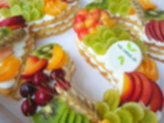 """13   שולחן מתוק לשבועות  שולחן מתוק לראש השנה   שולחן מתוק לסוכות   שולחן מתוק לשמחת תורה   שולחן מתוק לט""""ו בשבט   שולחן מתוק לפורים   שולחן מתוק לפסח   שולחן מתוק למימונה   שולחן מתוק ליום העצמאות    שולחן מתוק לל""""ג בעומר   שולחן מתוק לחג המולד   שולחן מתוק לליל כל הקדושים   שולחן מתוק לשנה האזרחית החדשה"""